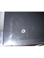 Loch unter Abdeckkappe (keine Auswirkung auf Kühlleistung)