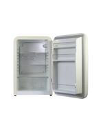 Innenansicht des Retro Kühlschranks Kingston in creme