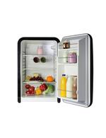 Innenansicht des schwarzen Retro-Kühlschranks Kingston